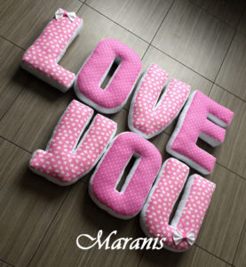 подушки буквы love