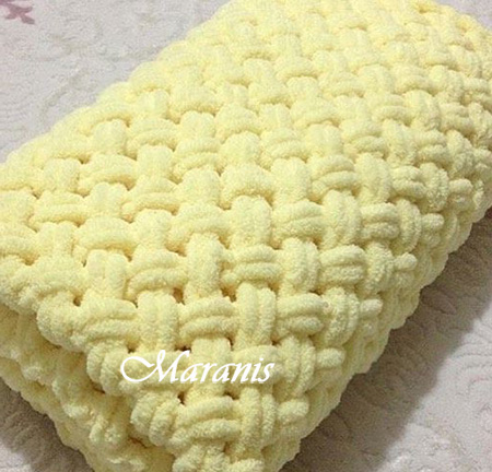 Плед из ализе для новорожденного Yellow