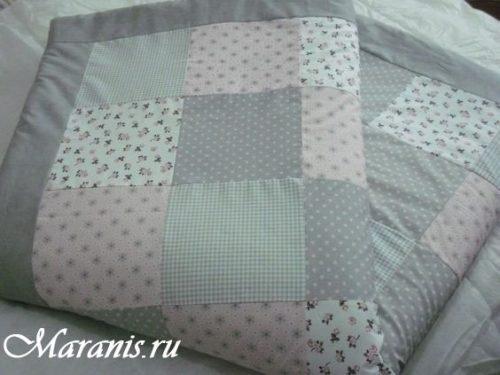 Лоскутное одеяло в кроватку