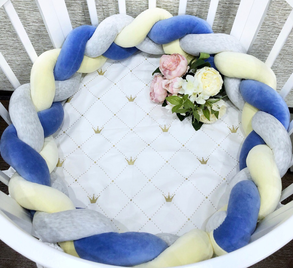 Бортик косичка в круглую кроватку