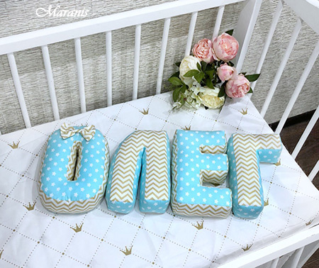 Буквы подушки Олег фото