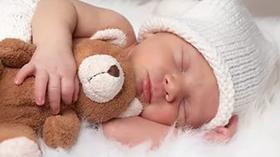 Что подарить новорожденному ребенку?